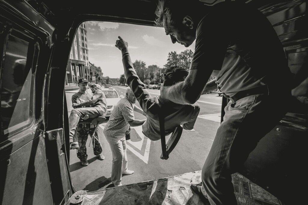 У Донецьку демонтували пам'ятник The Beatles