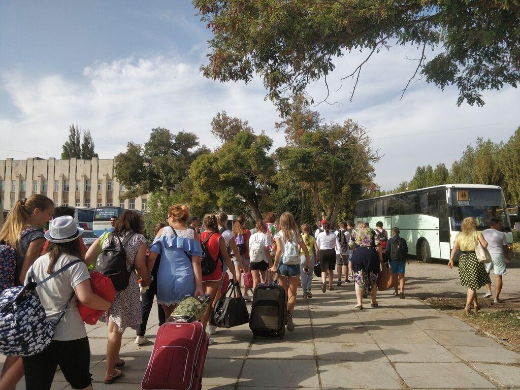 З Армянська евакуювали понад 3000 дітей