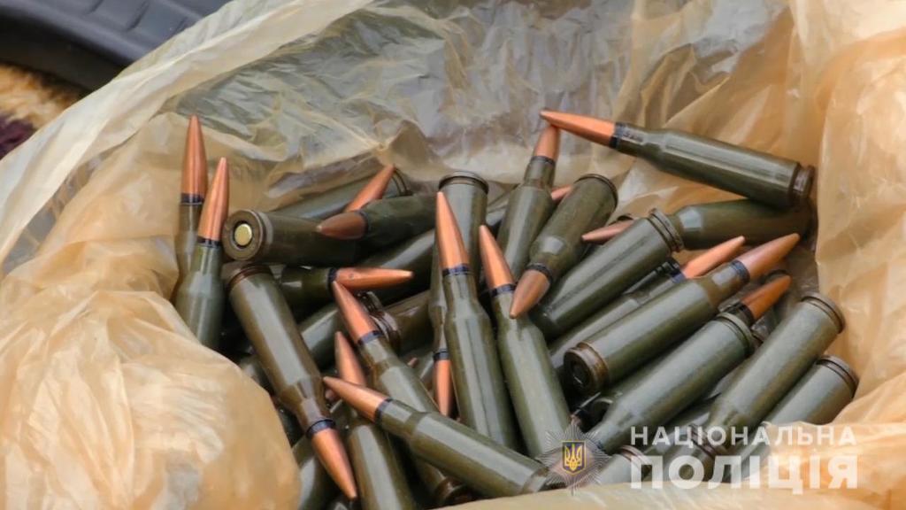 Россия снабжает ''Л/ДНР'' украинским оружием из Крыма: появились фото и видео