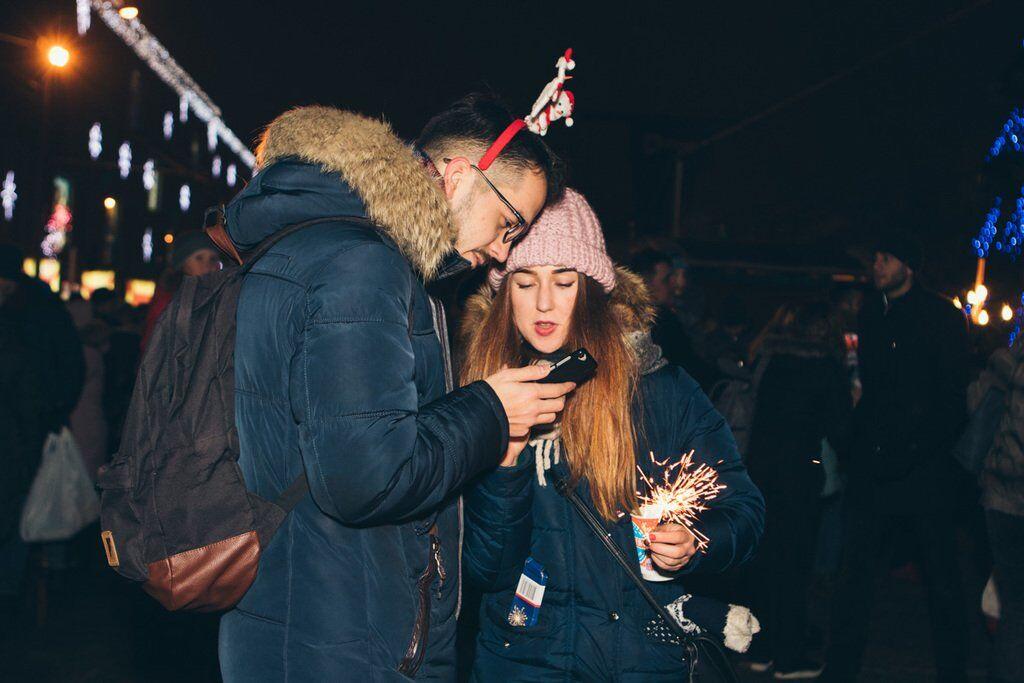 Как встречали Новый год украинцы: яркие фото и видео