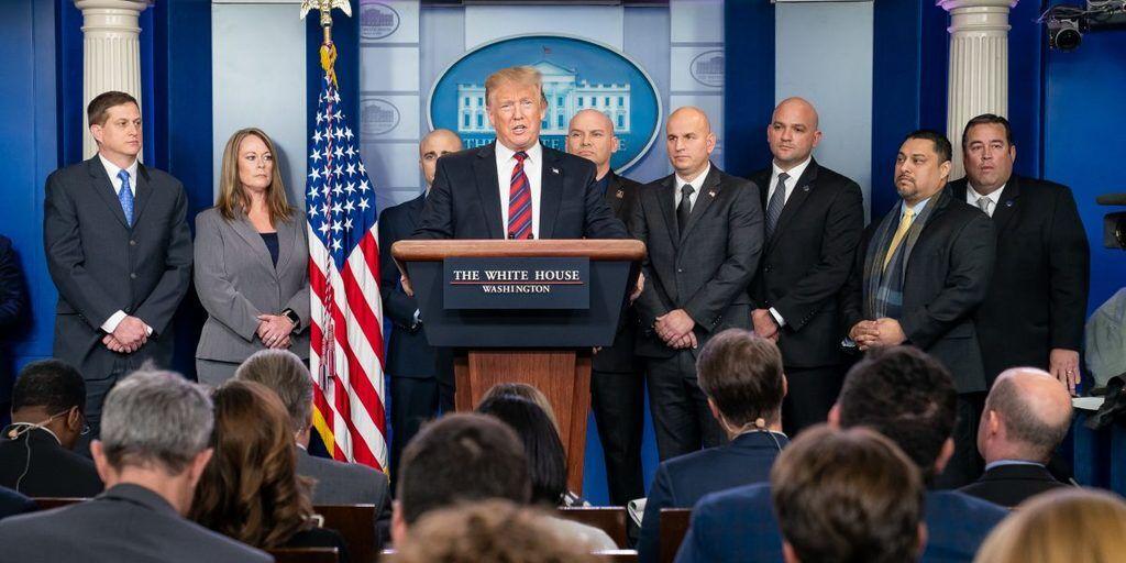 США предрекли режим ЧП из-за Трампа