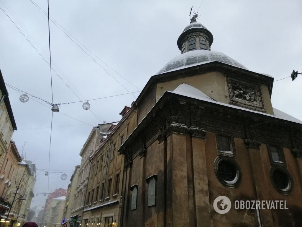 Зимовий Львів: у мережі з'явилися яскраві фото міста