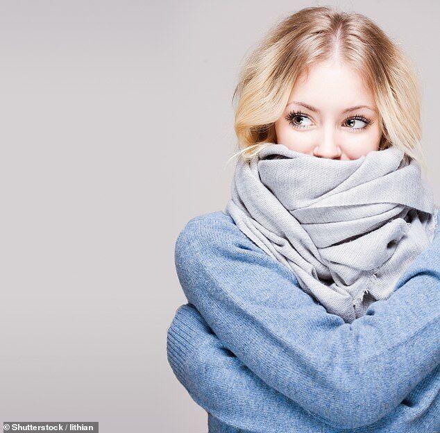 Названа неожиданная опасность обычного шарфа