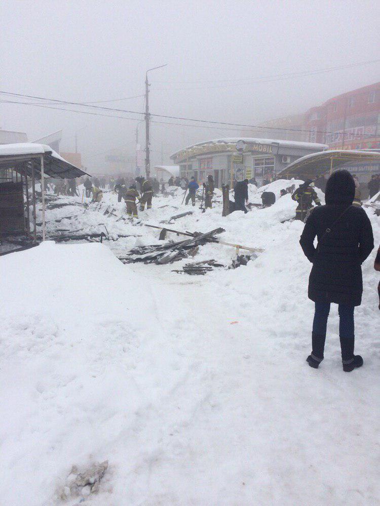 Обвалення торговельного ряду в Макіївці
