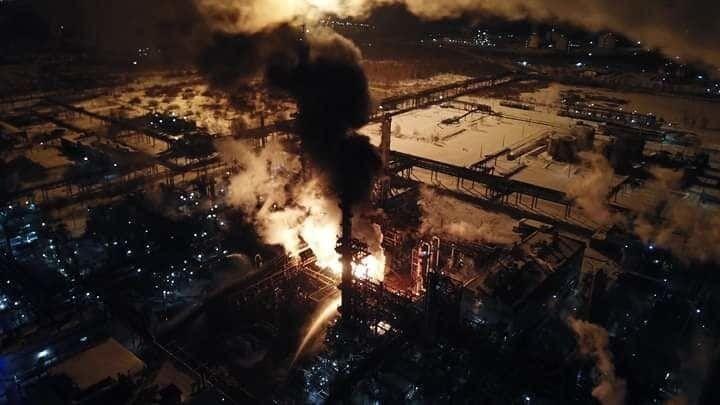 На Прикарпатье загорелся химический завод: все подробности, фото и видео