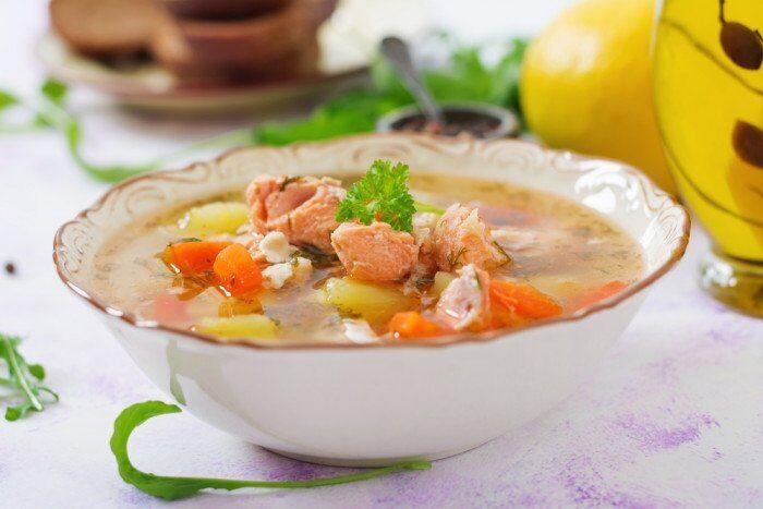Суп з тунцем і овочами