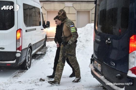Пленные украинские моряки прибыли в Лефортовский суд