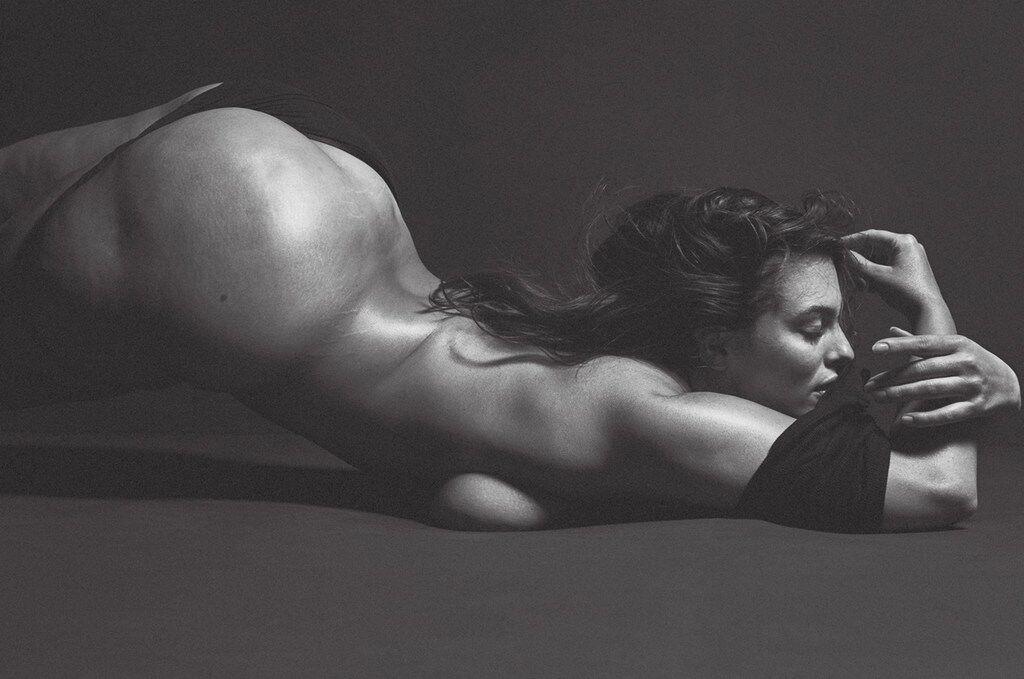 Sexy naked photo shoot