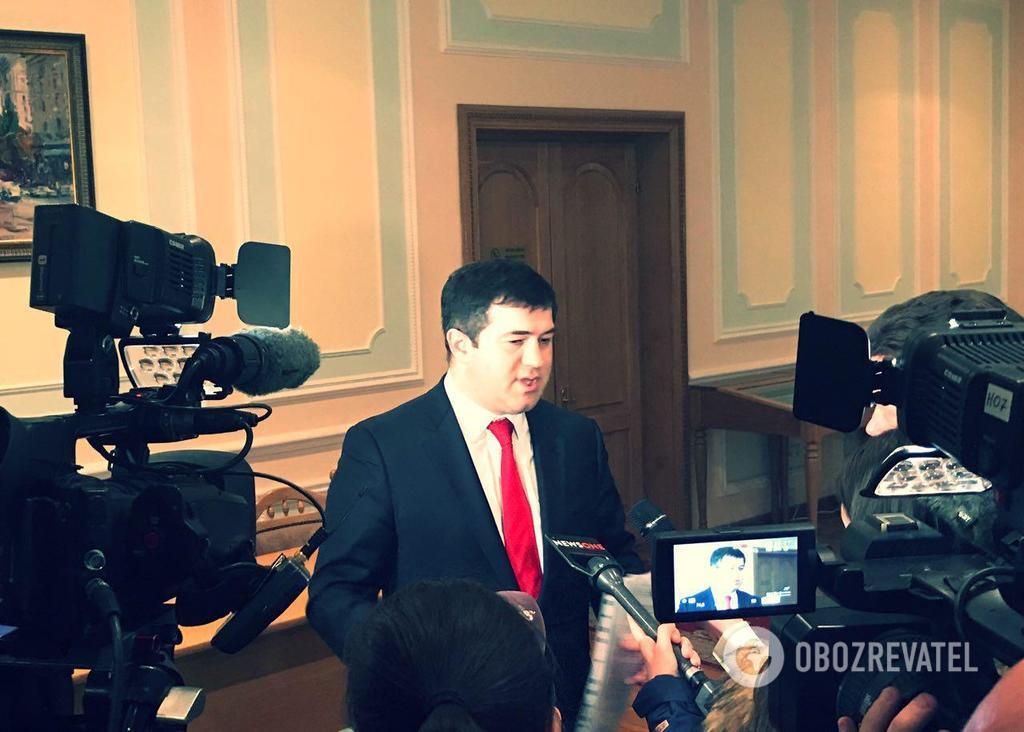 Насиров подал документы для участия в выборах президента