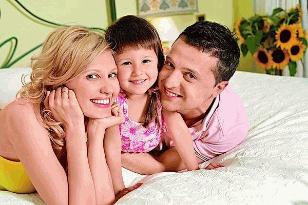 Владимир Зеленский с женой Еленой и дочкой Сашей