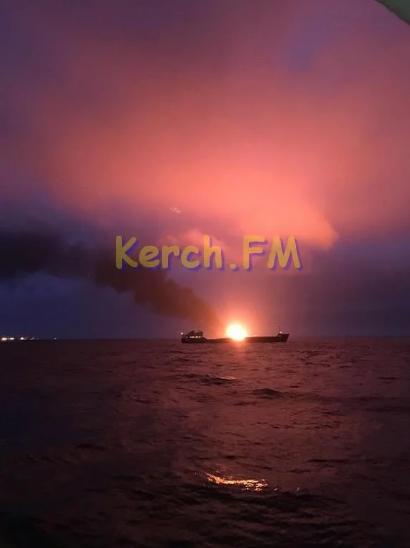 Карма Путіна: з'ясувався нюанс про пожежу на кораблях біля Керченської протоки