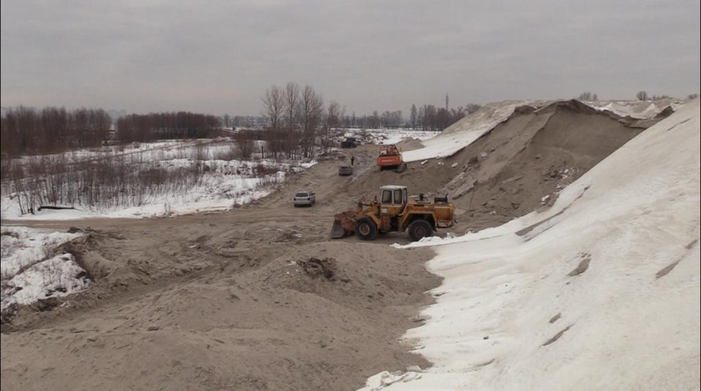 Добыча песка в поселке Погребы