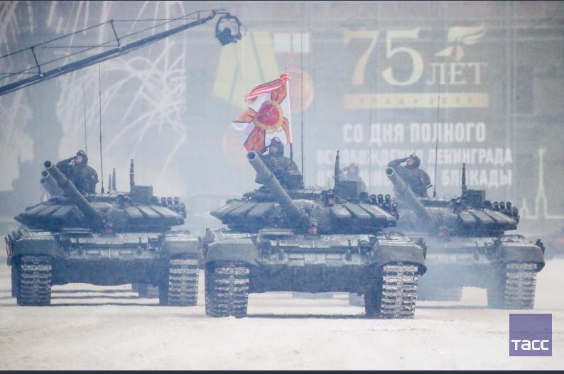 Парад в честь снятия блокады Ленинграда разозлил россиян