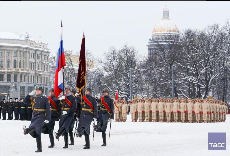''Пляски на костях'': военный парад в честь снятия блокады Ленинграда разозлил россиян
