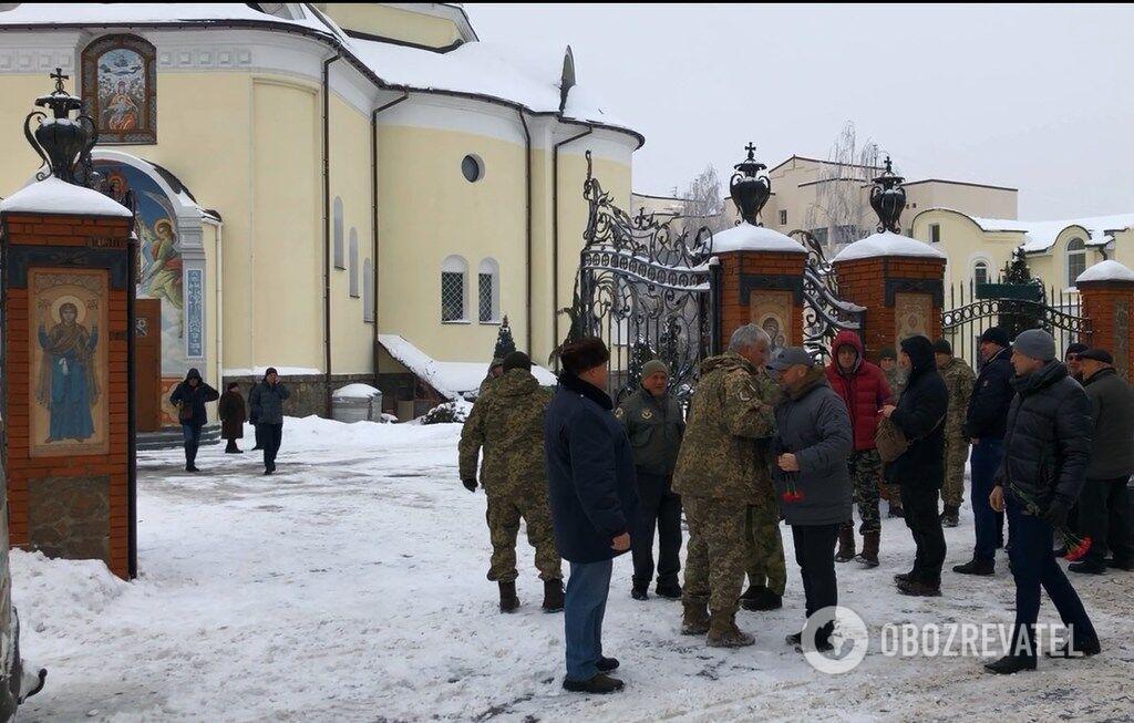 Попрощатися з Віталієм Губенком прийшло багато військових і цивільних