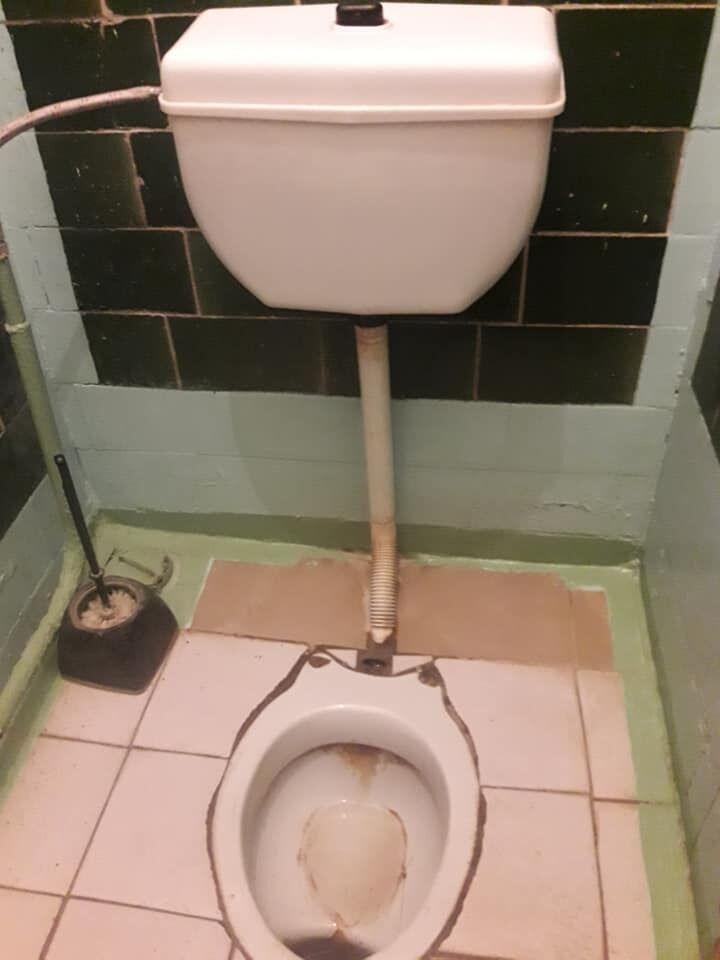 Туалет в школе Ковеля