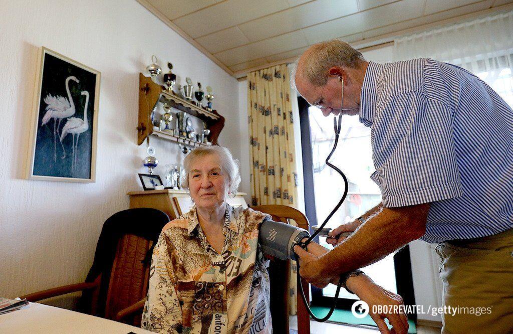 ''Меньше минималки. Работаем на голом окладе!'' Украинские врачи возмутились нищенскими зарплатами