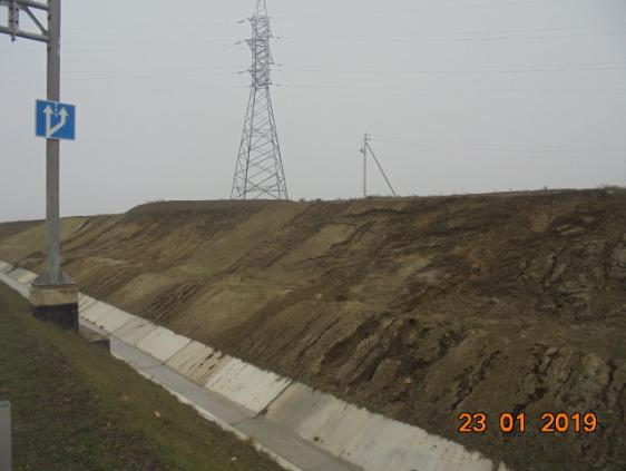 Підбираються зсуви, протока міліє: інженери розповіли про критичні проблеми з Кримським мостом