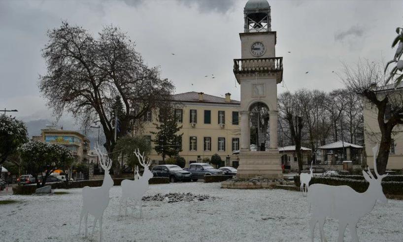 На Грецию обрушился аномальный снегопад: есть жертвы