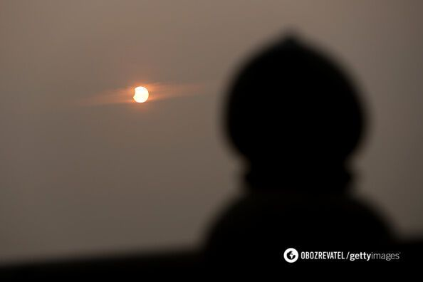 Перше сонячне затемнення у 2019 році: дивовижні фото