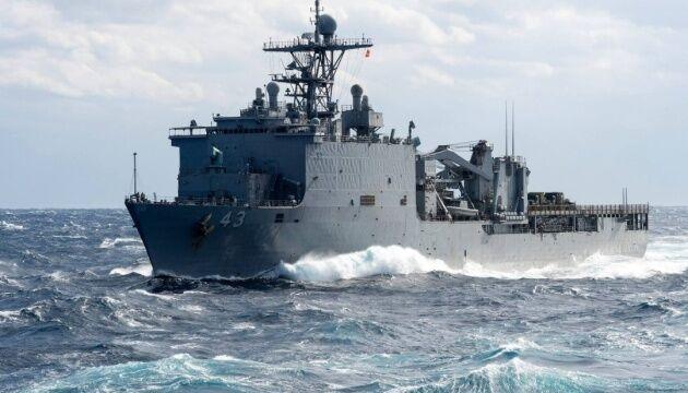 Путин, трепещи: десантный корабль США пошел в направлении Черного моря