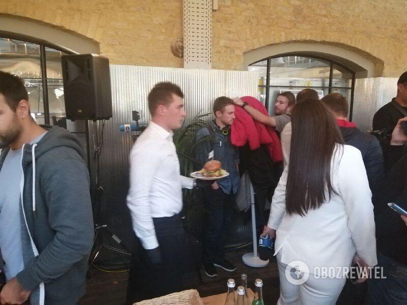 Угощения на пресс-марафоне Зеленского