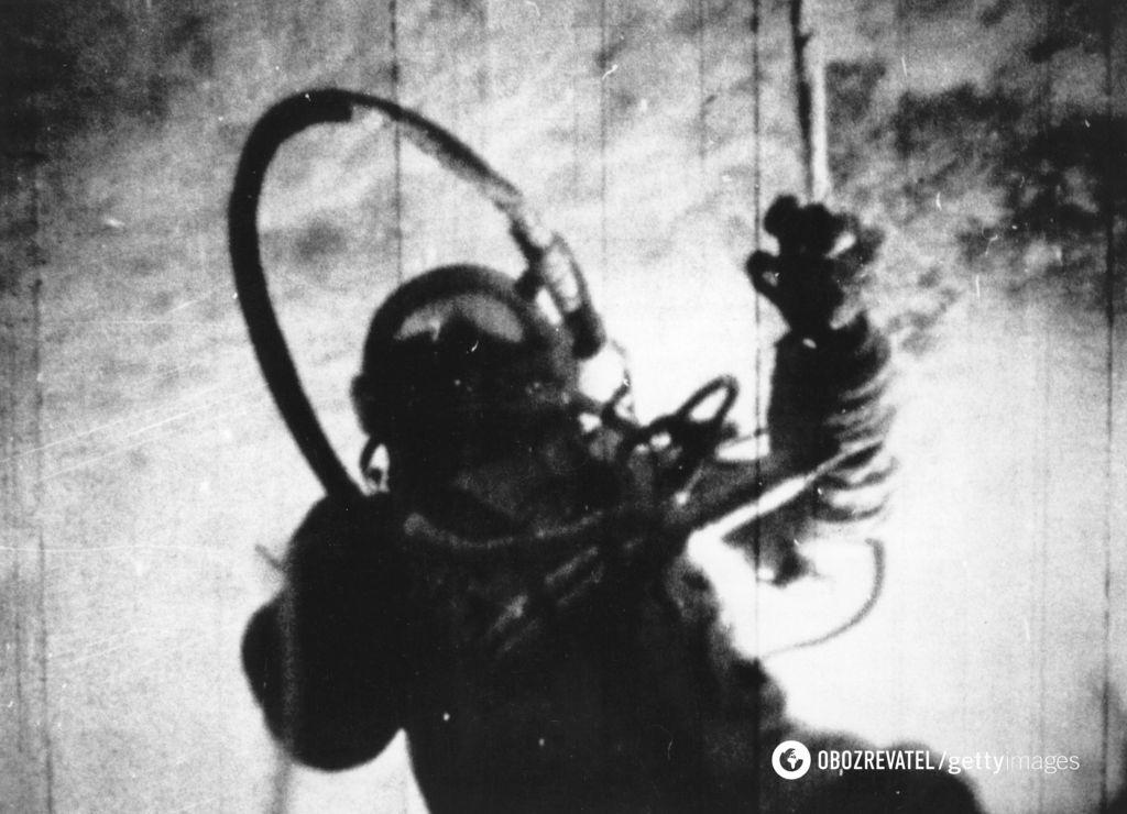 Алексей Леонов в космосе