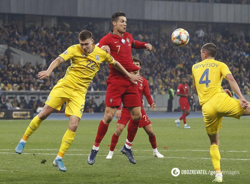 Защита сборной Украине не позволила забить Криштиану Роналду с игры