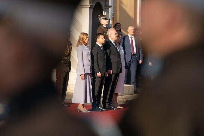 Олена Зеленська вразила стильним образом у Ризі