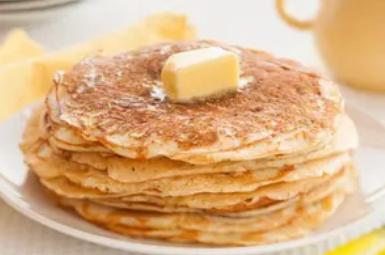 Рецепт незрівнянних млинців на кислому молоці