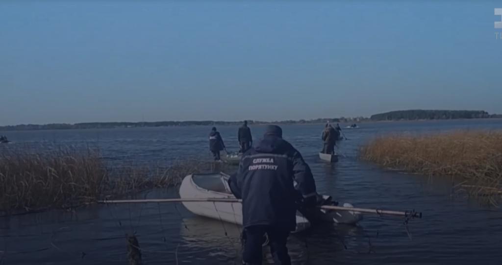 Пошуки зниклого Олексія на озері тривають вже з 12 жовтня