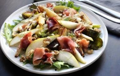 """Рецепт неймовірно смачного салату """"Прошутто"""" з грушею"""