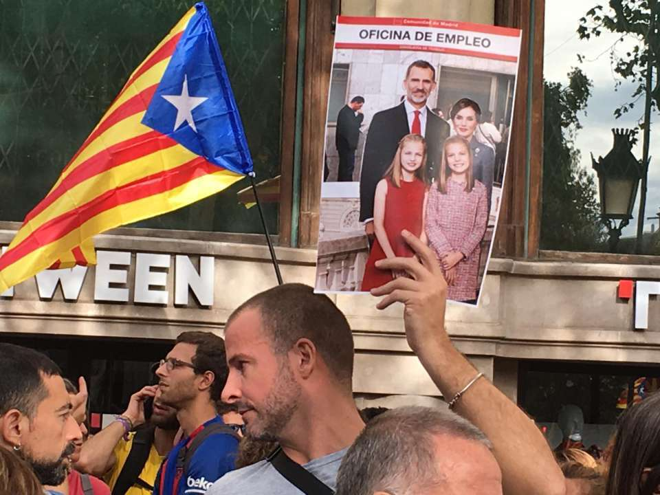 У Барселоні з новою силою розгорілися протести