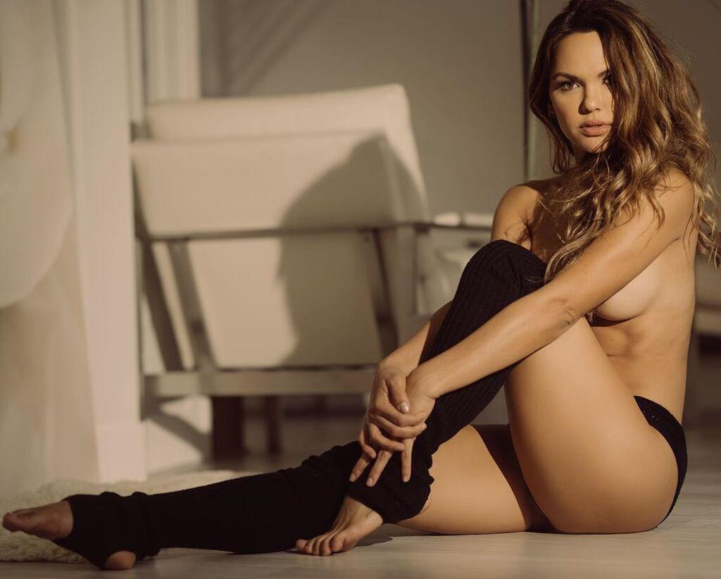 Бой Гвоздик – Бетербиев: фото сексуальных ринг-герлз