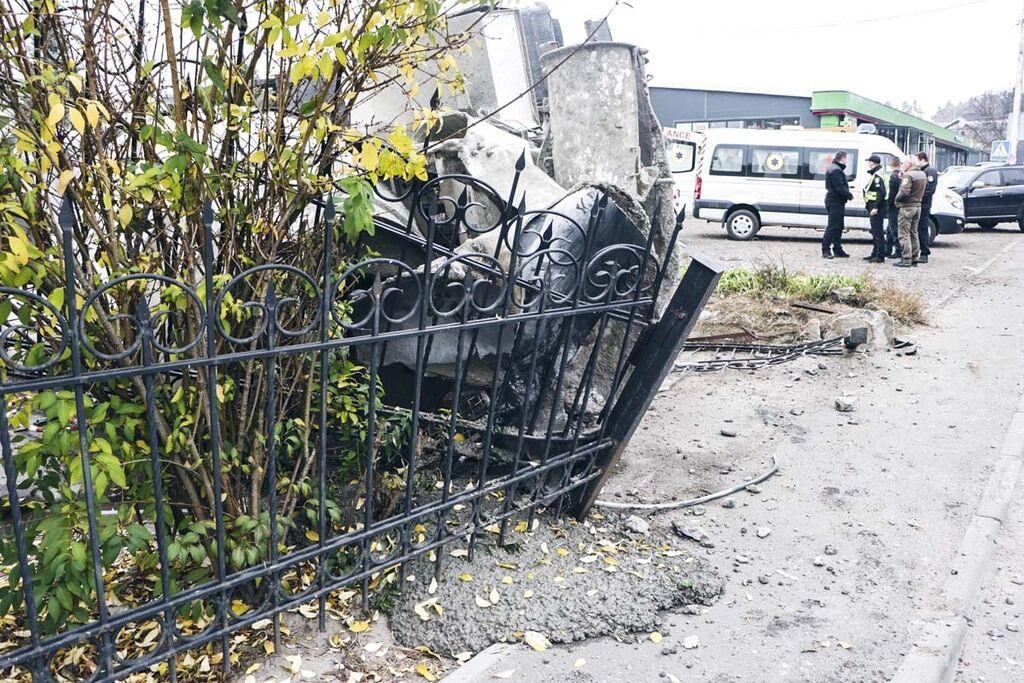 """На вулиці Боярській зіткнулися автомобіль Great Wall Hover і бетономішалка """"Камаз"""""""