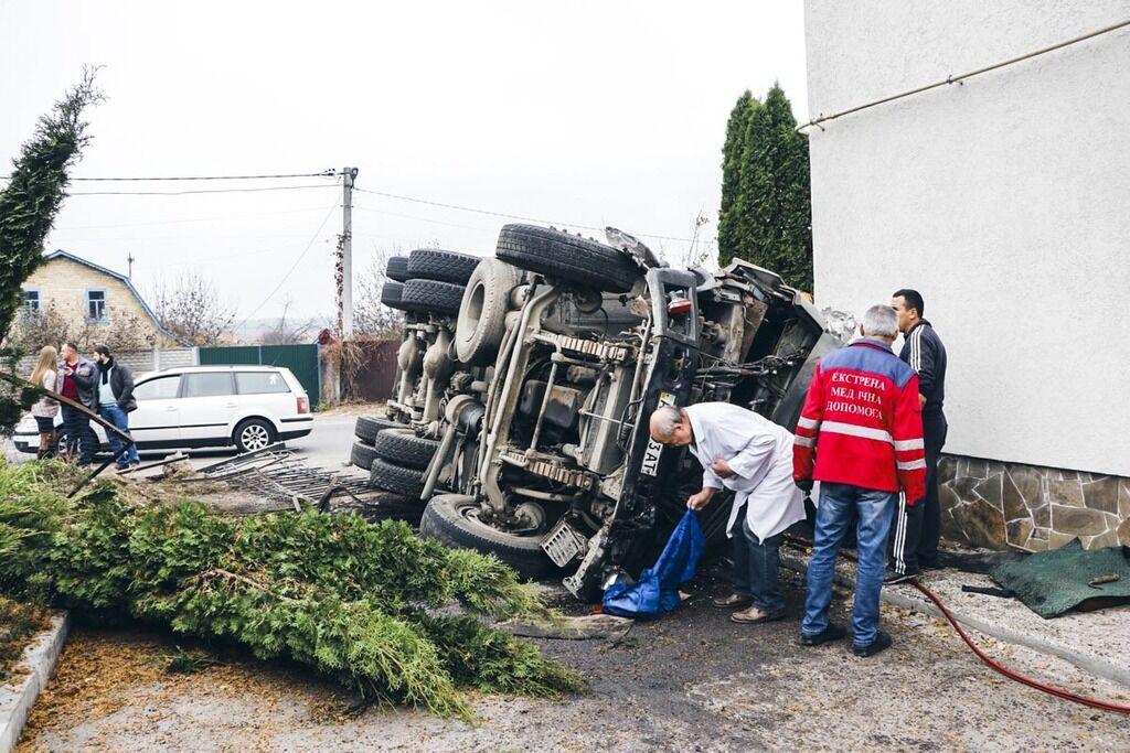Під Києвом у селі Віта-Поштова у понеділок, 21 жовтня, трапилася ДТП із потерпілим