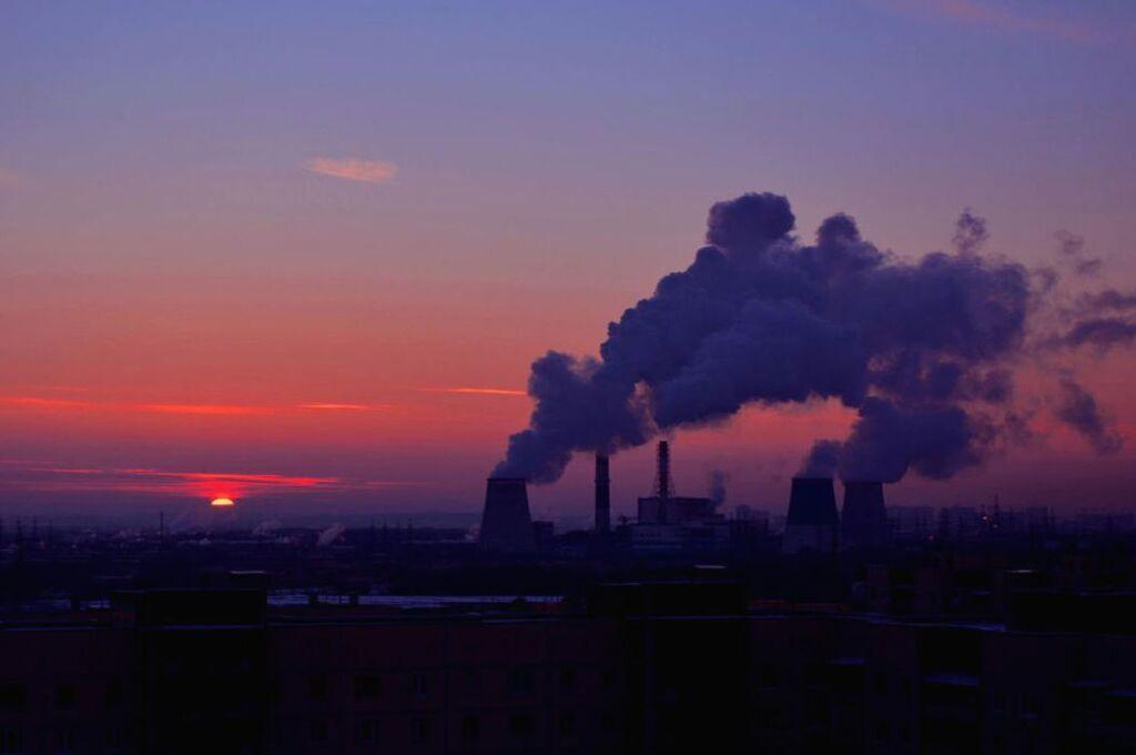 Атмосфере вредят и отопительные предприятия