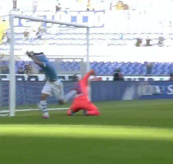 Форвард сборной Италии попал в курьезную ситуацию в матче Серии А