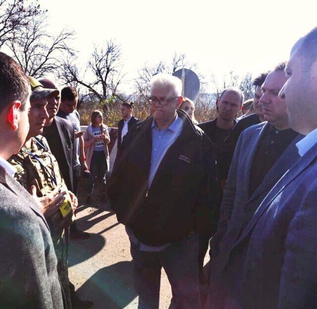 Сивохо с депутатами засветились на Донбассе. Фото