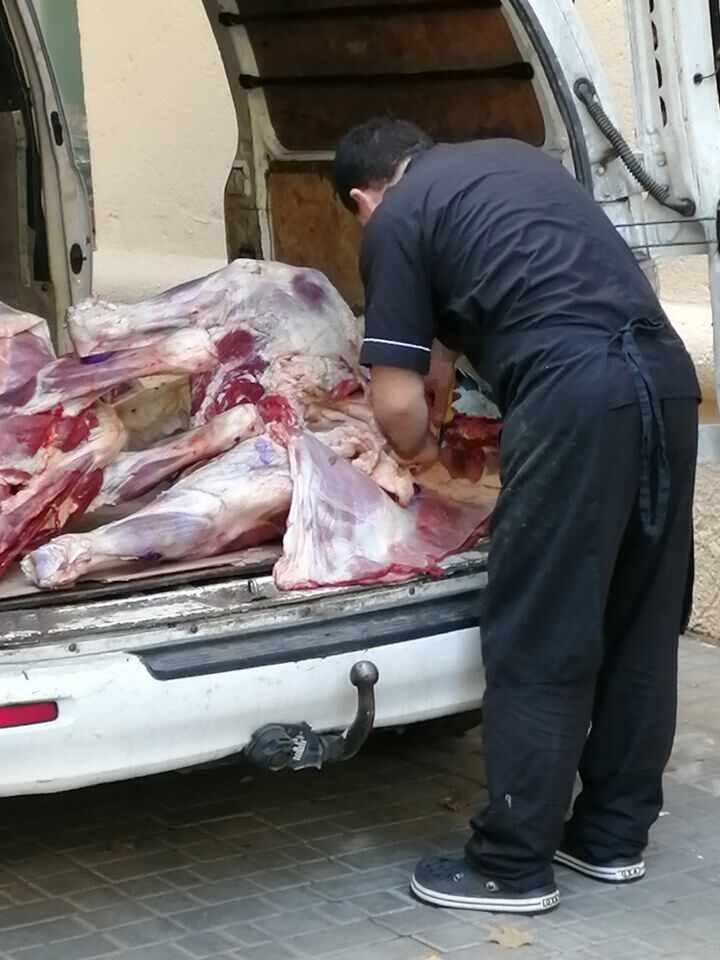 В Одессе мясной магазин попался на антисанитарии