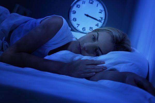 Стрессы, алкоголь: 11 причин, почему вы плохо спите
