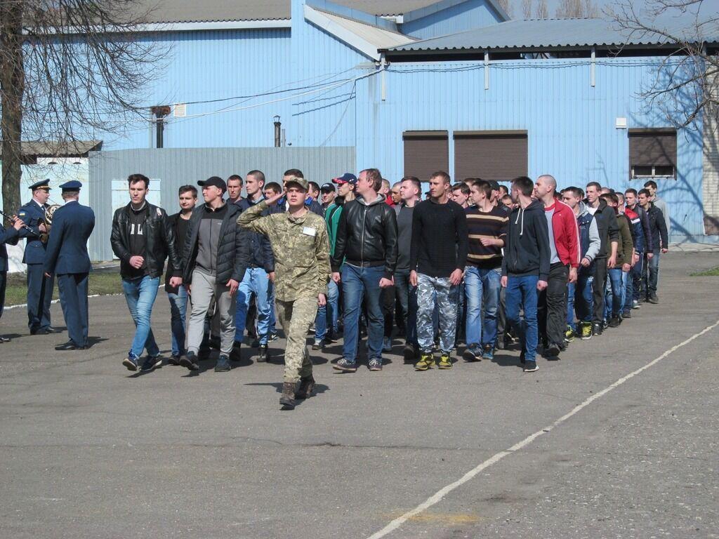 В Украине вернут призыв с 18 лет