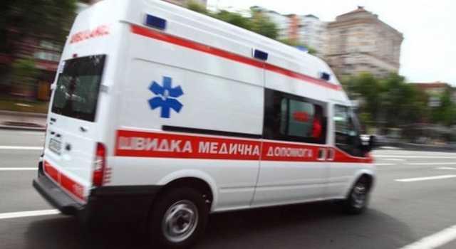 Жінці викликали швидку й відвезли в лікарню