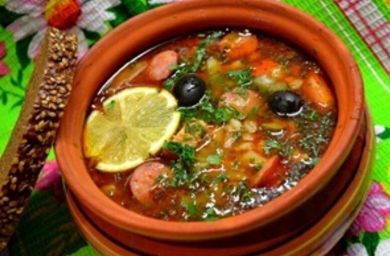 Рецепт дуже смачної солянки швидкого приготування