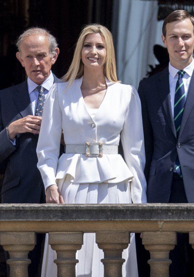 Іванка Трамп засвітила груди в Букінгемському палаці