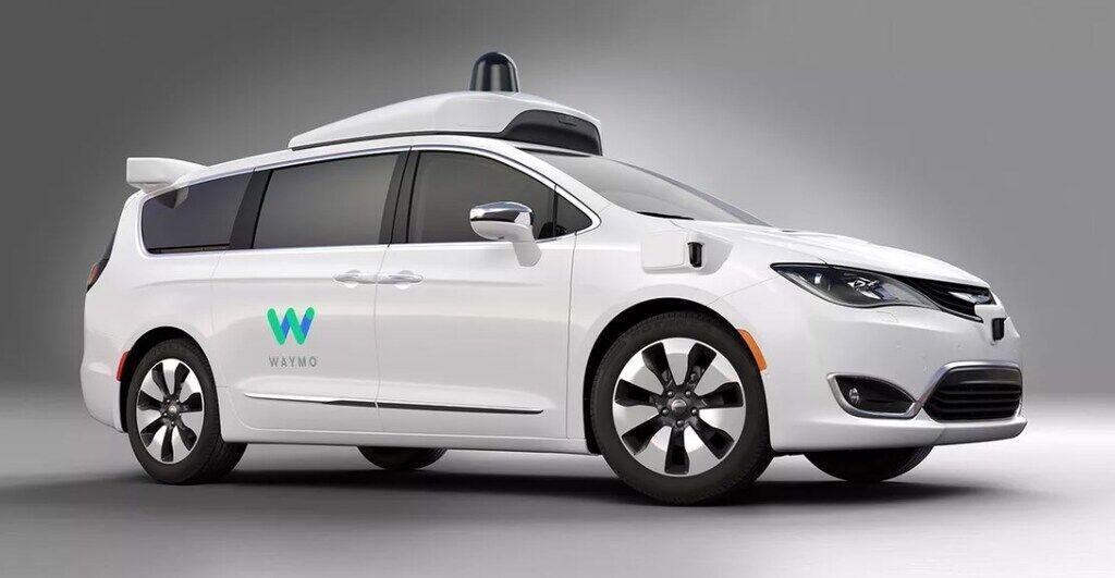 Chrysler зайнятий випробуваннями системи автономного водіння