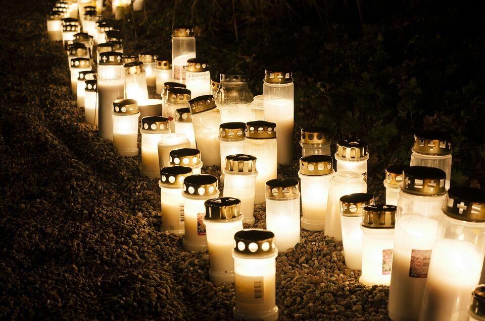 День всіх святих - кладовище