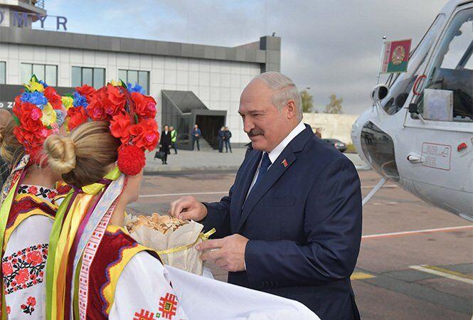 Встреча Лукашенко с хлебом-солью в Житомире
