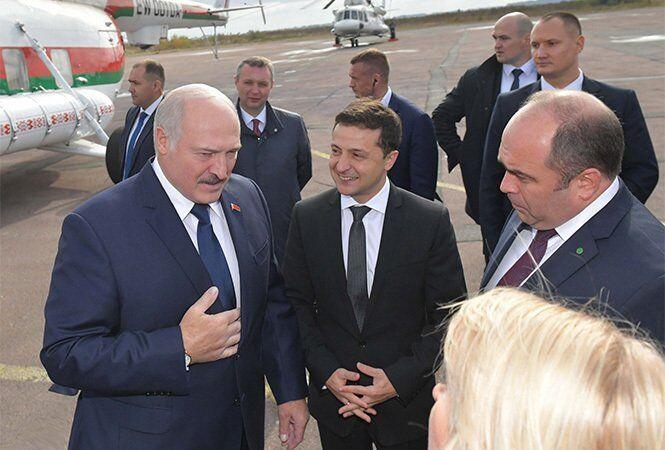 Зеленский лично встретил Лукашенко в аэропорту