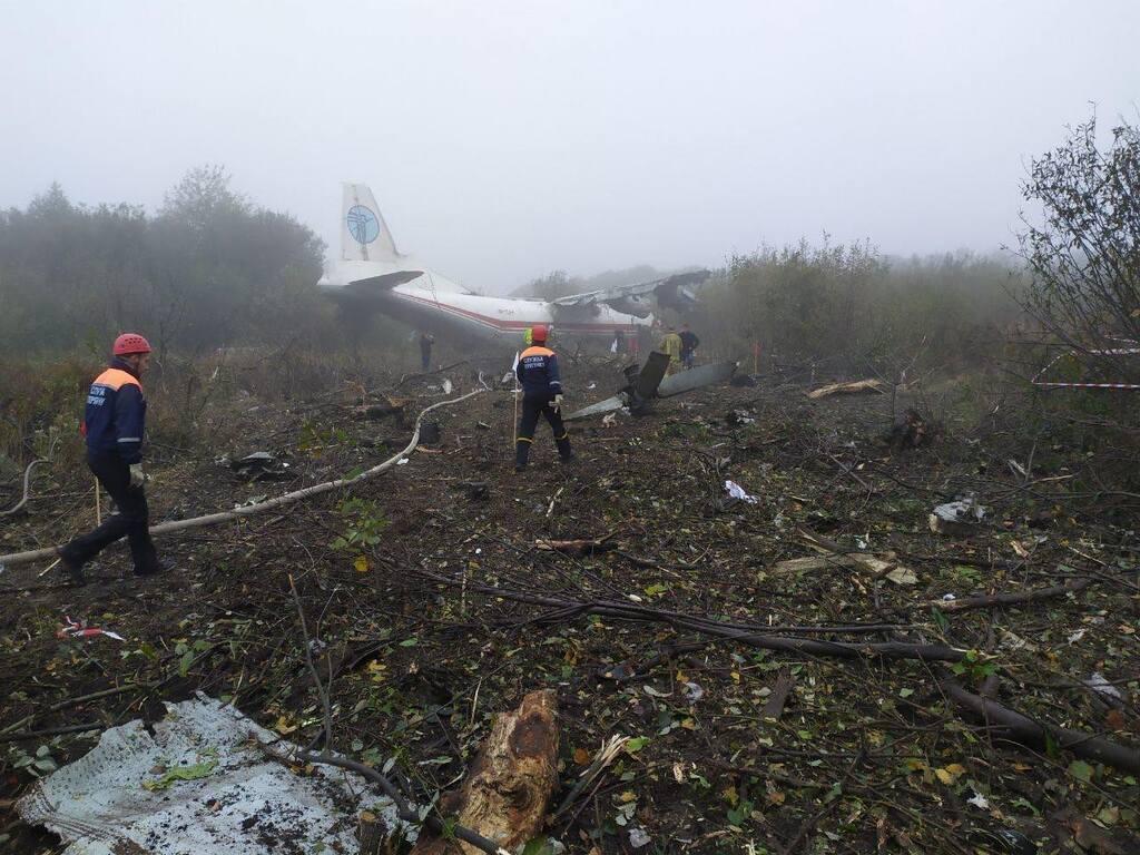 Под Львовом аварийно сел самолет